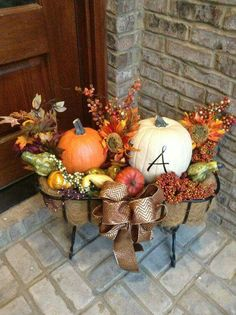 Outdoor Thanksgiving Decorations Thanksgiving Decorations – The Admirable Outdoor Thanksgiving Decorations. Thanksgiving Decorations are the best part of the festive season. Autumn Decorating, Porch Decorating, Decorating Ideas, Fall Home Decor, Autumn Home, Outdoor Thanksgiving, Thanksgiving Ideas, Thanksgiving Decorations Outdoor, Outdoor Decorations