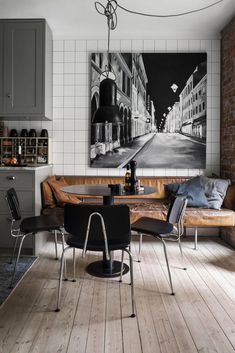 Old parquet and bricks for a charming Swedish apartment - PLANETE DECO a homes world - Old parquet and bricks for a charming Swedish apartment – PLANETE DECO a homes world - Sweet Home, Interior Inspiration, Home Kitchens, Home Furnishings, Home Furniture, Furniture Movers, Family Room, New Homes, House Design