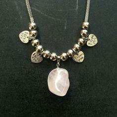Collar Con Piedra Natural. Cuarzo Rosa - $ 118,00 en MercadoLibre