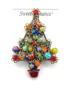 Sweet Romance Christmas Tree Pin