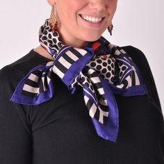 Vrolijke sjaal met grafische print in blauwtinten