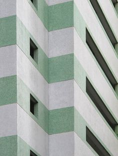 Gorgeous facade. ~ETS #modernarchitecture #architecture #green