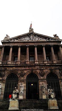 Biblioteca Nacional. National Library