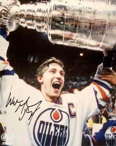 Wayne had a great group of guys around him like Mark Messier, Jari Kurri, Glenn Anderson, Paul Coffey, Charlie Huddy, Kevin Lowe, Marty McSorley, Grant Fuhr, Craig MacTavish, Coach Glen Sather. Perhaps the best team ever.