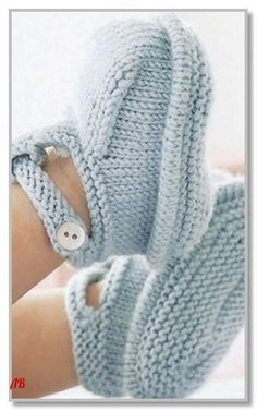 Baby Knitting Patterns, Knitting For Kids, Easy Knitting, Baby Booties Free Pattern, Booties Crochet, Crochet Baby Clothes, Child Models, Arm Warmers, Knitted Hats