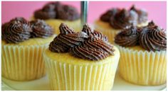 Sips and Spoonfuls: Moist Vanilla Cupcakes with Chocolate Buttercream Frosting-Super delicious. Great base for my spiced pear and honey cupcake Cupcake Recipes, Baking Recipes, Cupcake Cakes, Dessert Recipes, Cup Cakes, Cupcake Ideas, Cupcake Pictures, Mini Desserts, No Bake Desserts