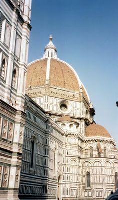 Florence - Cathedral Il Duomo  photo: Robert Bovington 2000 https://plus.google.com/+RobertBovington/photos