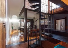 Inner city Melbourne reinvention with a twist – Sustainable Architecture with Warmth & Texture Amazing Architecture, Architecture Details, Interior Architecture, Home Building Design, Building A House, House Design, Melbourne, New Kitchen Inspiration, Australian Homes