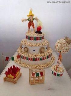 Resultado de imagem para bolos de festa junina