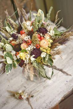 Autumn wedding bouquet, dried flowers Fall Wedding Bouquets, Autumn Wedding, Dried Flowers, Floral Wreath, Wreaths, Table Decorations, Inspiration, Ideas, Home Decor