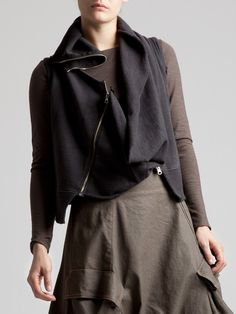 Jersey Gilet with two possible ways to wear it by LURDES BERGADA