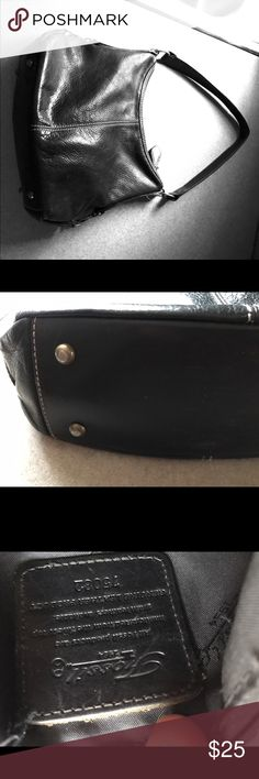 Fossil Black Hobo Purse Handbag Pocketbook Black pebble leather Fossil purse with great top stitching, solid strap, and rivet feet. Inside is lined with black Fossil logo fabric, a secure zippered pocket and a cell phone pocket. Good condition. Fossil Bags Hobos