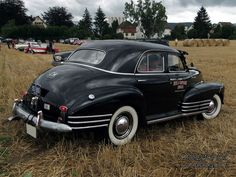 chevrolet-fleetline-4door-sedan-1948-02