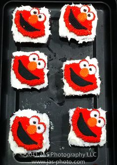 Elmo Birthday Party Theme for a Budget – With TONS of Free Downloads! | Haath Se [By Hand]