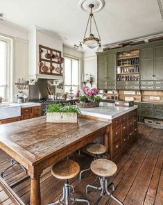 Rustic Country Kitchens, Farmhouse Kitchen Island, Rustic Kitchen Design, Modern Farmhouse Kitchens, Home Kitchens, Kitchen Islands, Small Kitchens, Kitchen Modern, Rustic Farmhouse