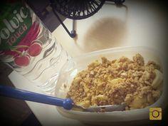 #frühstück #aufderarbeit #knusperfkakes #banane #quark #honig #babybauchfüttern #fitmom #vieltrinken #selfmade #foodporn #antitütenkochen