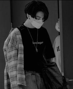 Jungkook Hot, Foto Jungkook, Jimin, Bad Boy Aesthetic, Classy Aesthetic, Bts Black And White, Kpop, Jeongguk Jeon, Bts Playlist