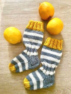 Knitted socks in grellow. Knitted socks in grellow. Always wanted to discover how to knit, nevert.