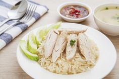 Steamed chicken breast is high in protein and low in calories and fat. If you want to use chicken thighs instead, just watch your portion sizes carefully. Steamed Chicken, Boiled Chicken, Steamed Food, Steam Chicken Recipe, Chicken Recipes, Turkey Recipes, Chicken Meals, Chili Recipes, Clean Eating