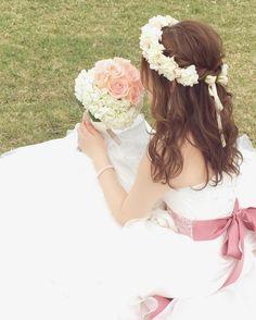 花冠を合わせるのが似合うブライダルヘアアレンジ特集 | marry[マリー]