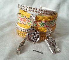 Bracelet Manchette très large Véritable tissu Liberty fleuri Simili cuir tressé Été 2015 jaune blanc : Bracelet par libertylily