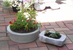DIY Concrete planters:  hypertufa recipe here