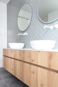 Bathroom Plans, Waterfront Homes, Bathroom Interior Design, Beautiful Bathrooms, Simple House, Bathroom Inspiration, House Design, Loft, Furniture