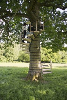 CanopyStair is a modular system of steps that can be attached without tools to form a spiral staircase around a tree trunk, allowing one to walk up into the canopy above. Lightweight and quick to assemble, the CanopyStair has been carefully designed not to damage or mark the tree in any way. CanopyStair was conceived …