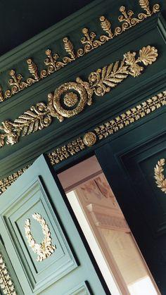 High-end wooden door with decorative bronzes Timber Door, Wooden Doors, Traditional Windows, Interior Doors, Joinery, Carpentry, Valance Curtains, Restoration, Bronze