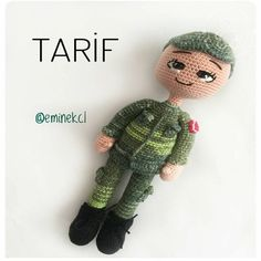 Amigurumi Soldier Recipe For Boys Amigurumi For Beginners, Amigurumi Tutorial, Amigurumi Toys, Perfect Photo, Crochet Yarn, Toys For Boys, Arm Warmers, Giraffe, Free Pattern