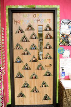 i WILL do this for my classroom! (http://thefirstgradeparade.blogspot.com/search/label/printable)