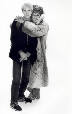 Andy Warhol y Dustin Hoffman como Tootsie