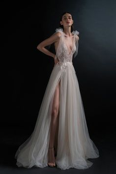 Pure by Inbal Dror Bridal & Wedding Dress Collection Spring 2019 Fairy Wedding Dress, Wedding Gowns, Mermaid Wedding, Lace Wedding, Bridal Collection, Dress Collection, Wedding Dress Accessories, Bridal Fashion Week, Beautiful Gowns