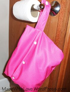 Wet/Dry Bag Mama Cloth Tutorial:  http://mabewithlove.wordpress.com/2014/10/10/sewing-tutorial-mama-cloth-wetdry-bag/