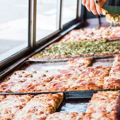 Saturday Food Section: Will 2017 Be the Year of the Square Pizza?