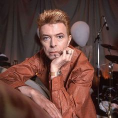 If you love music, we are friend. If you love David Bowie, we are family! Follow us if you love DAVID BOWIE! Love to tag? Please do! #davidbowie #davidbowieforever #davidbowieis #davidbowietattoo #davidbowiecover #davidbowiefan #davidbowielove #davidbowieisgod #davidbowierip #davidbowieart #pop #rock #music #omg #davidbowie_official