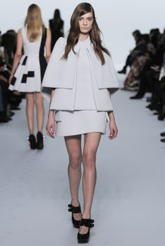Dice Kayek Couture Spring 2015 - Slideshow - Runway, Fashion Week, Fashion Shows, Reviews and Fashion Images - WWD.com