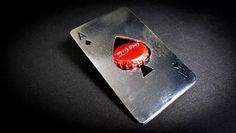 abridor para garrafas em forma de carta de baralho em inox