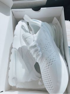 wholesale dealer 43d01 8d18d 33 Best Nike Epic React Flyknit images in 2019   Black gold, Cookies,  cream, Green, gold