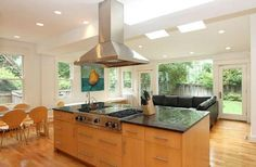 DC real estate photo - http://dc.urbanturf.com/articles/blog/best_new_listings_mid_century_modern_and_jose_andres/7374