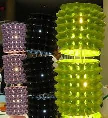 Diy Egg Carton Lamp (I need to figure out how to do this! Egg Carton Art, Egg Carton Crafts, Bühnen Design, Diy And Crafts, Arts And Crafts, Deco Luminaire, Egg Crates, Church Stage Design, Plastic Eggs