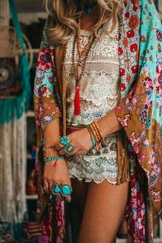 Beautiful Boho Chic Outfits Ideas To Try This 70s Outfits, Hippie Outfits, Chic Outfits, Fashion Outfits, Fashion Ideas, Plaid Outfits, Boho Chic, Bohemian Style, Boho Gypsy