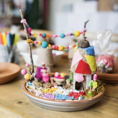how to make incredible fairy gardens for kids fairy garden ideas Fairy Gardens for Kids - Meri Cherry Kids Crafts, Art Activities For Kids, Projects For Kids, Art For Kids, Art Projects, Fairy Crafts, Garden Crafts, Garden Ideas, Garden Art