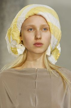 Daniela Gregis Details S/S '13 - again, the inspiration of the beautiful French peasant.