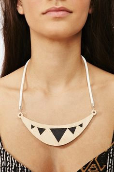 Leather and Gold Collar Necklace.
