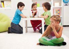 #haloMOM, Wasapada bila anak selalu ingin bersama orangtuanya saja. Simak http://www.halomom.com/2015/03/anak-mom-fobia-sosial-kenali-lebih.html