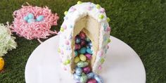 Easter Surprise Cake Beauty