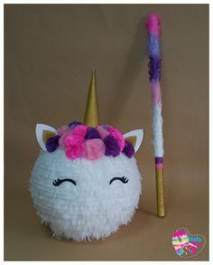 Piñata de unicornio con palo a juego