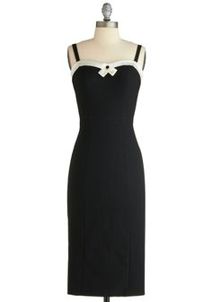 Such a lovely, elegant, feminine shape. I would probably shorten the length quite a bit though....since I am short.