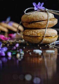 Αφράτα σαμπλεδάκια με μαρμελάδα βερίκοκο - Just life Muffin, Cookies, Breakfast, Desserts, Food, Crack Crackers, Morning Coffee, Tailgate Desserts, Deserts